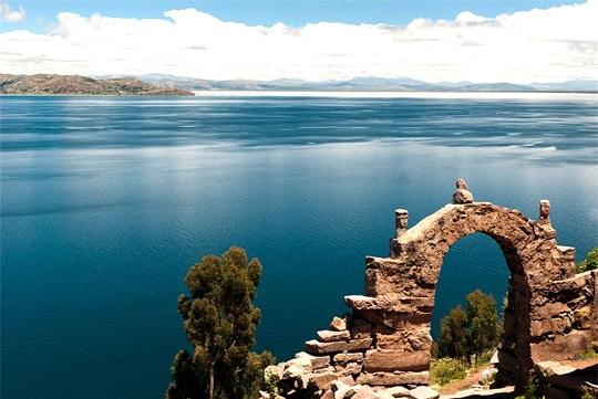 kayak, titicaca kayaking tour, titicaca lake, uros floating islands